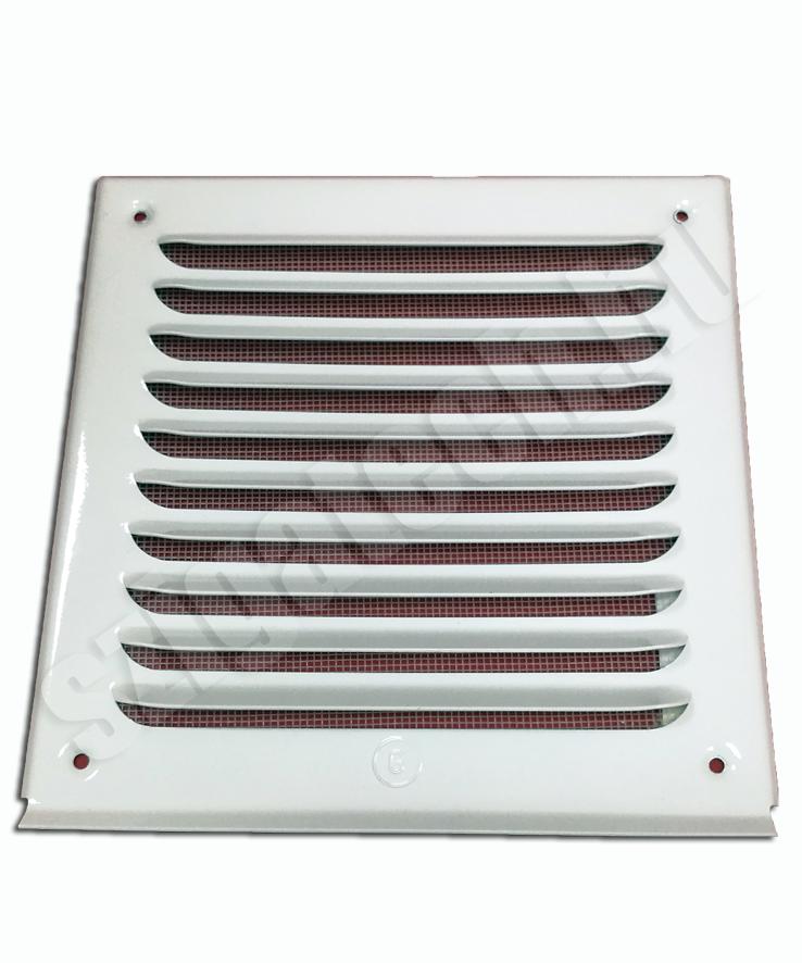 fehér festett aluminium szellőzőrács fém rovarhálóval